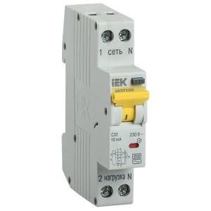Дифференциальный автомат одномодульный АВДТ32М С10А  30мА тип АС 4,5кА ИЭК