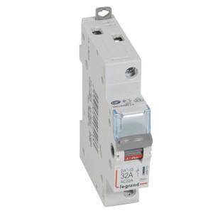 Выключатели-разъединители Legrand DX3-IS 1П 250 В~ 32А 1 модуль