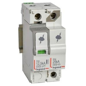 Разрядник Legrand 1P+N тип Т1+Т2 Imax 12,5 кА 255-320В 2 модуля с сигнальным контактом