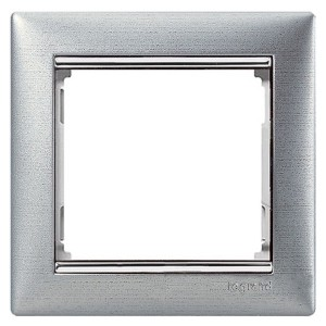 Рамка Legrand Valena 1 пост матовый алюминий/серебряный штрих